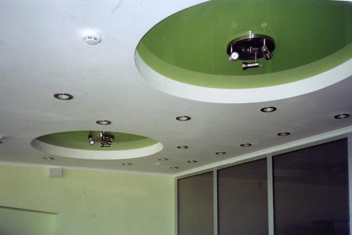 Какой потолок лучше - натяжной или из гипсокартона