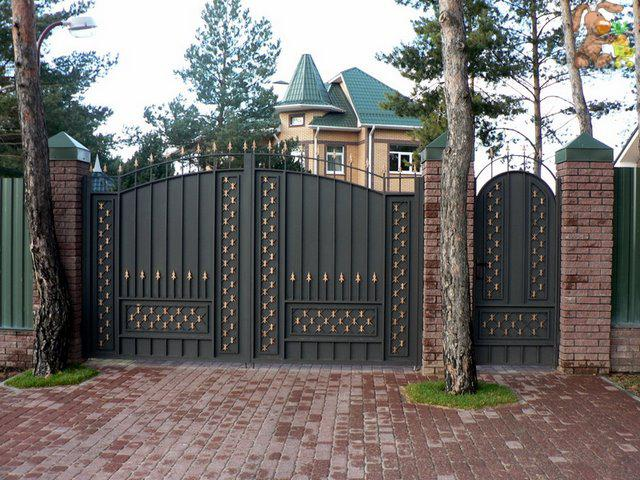 Виды конструкций декоративных калиток и ворот