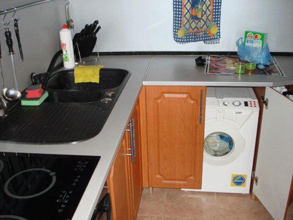установка стиральной машинки в кухне