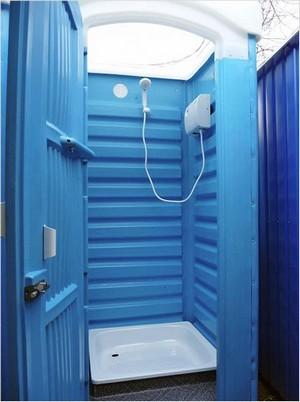 Комплект из водонагревателя и душевой кабины для дачи