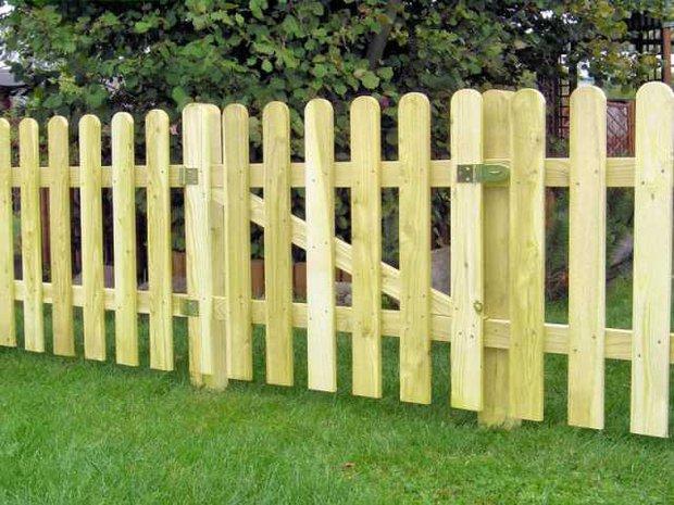 недорогой забор для дачи из штакетника