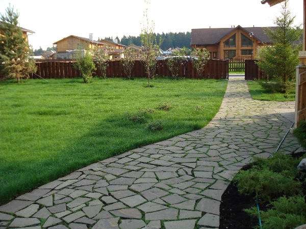 садовые дорожки в обустройстве