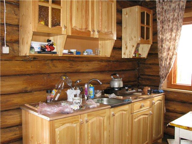 кухонный гарнитур на дачу из дерева