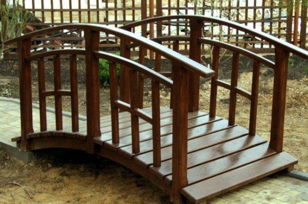 деревяный декоративный мостик фото