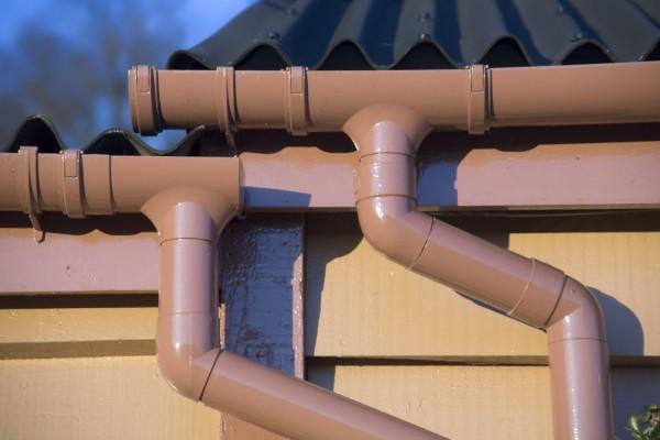 Водостоки для крыши из канализационных труб