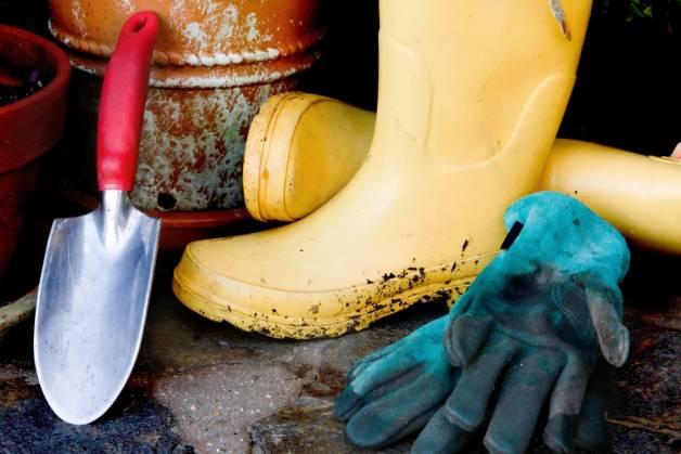 обувь для работы дачи