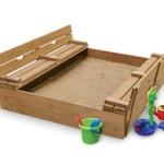 Деревянная детская песочница, сделанная своими руками