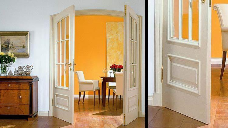 Распашные межкомнатные двери со стеклом
