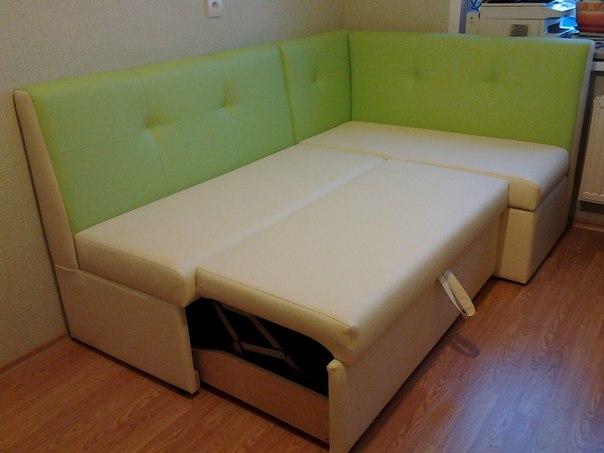 мягкий уголок для кухни со спальным местом