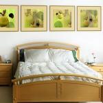 Картина в интерьере спальне