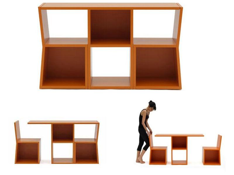 Стул и стол с местом хранения книг