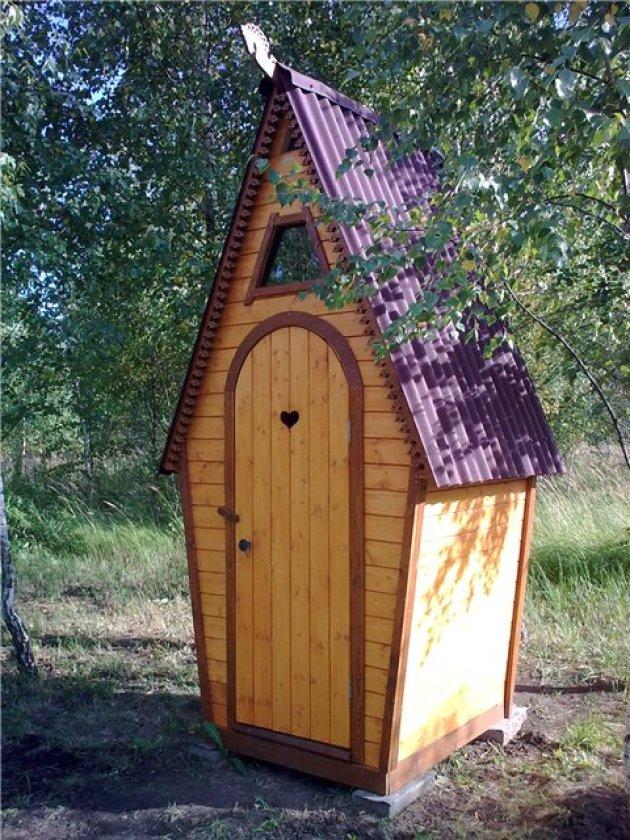 Строительство домика дачного туалета своими руками