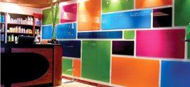 Цветное стекло — новый тренд в современном интерьере