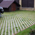Обустройство экопарковки с помощью газонной решетки