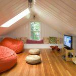 Как благоустроить чердак на даче и превратить его в гостиную