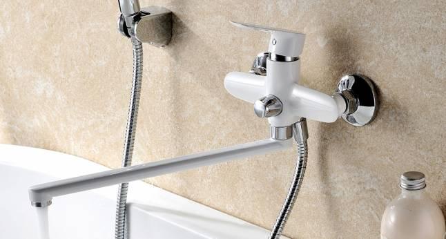 Однозахватный смеситель для ванной