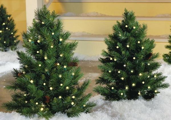 Что можно использовать в качестве елки на дачном участке