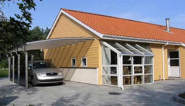 Навес для автомобиля пристроенный к дому