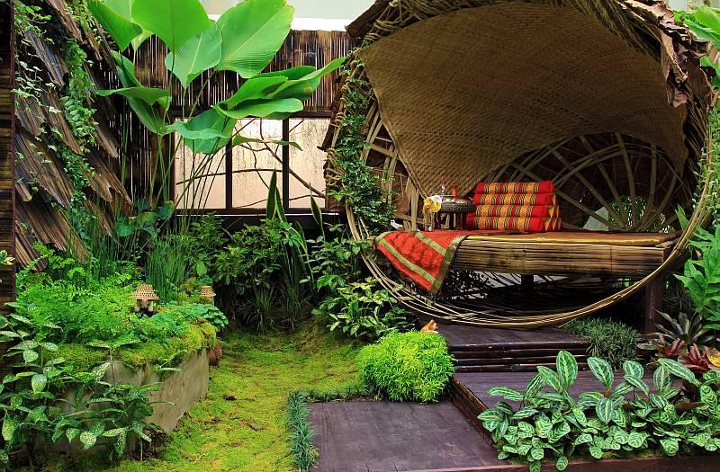 Уютный уголок на даче фото