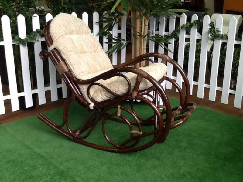 Плетеное кресло-качалку