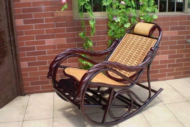Плетеное кресло-качалка: фото