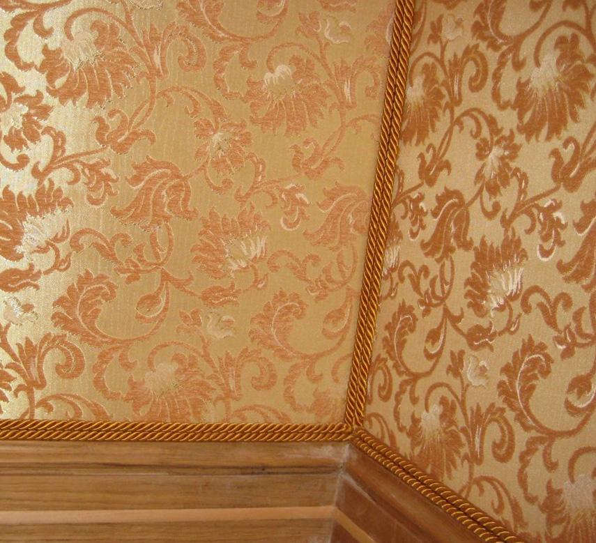 Облицовка стены ситцем или гобеленом