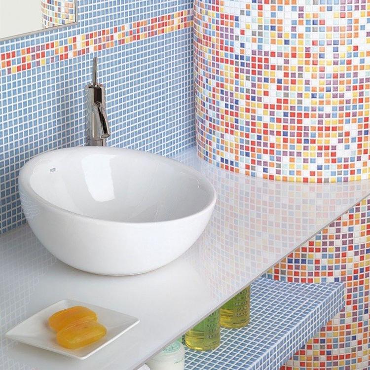 Комбинация мозаики с плиткой