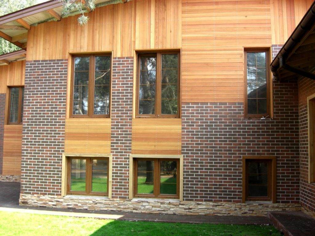 Отделка фасадов деревянным материалом