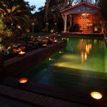 Магия ночного света в исполнении подсветки бассейна