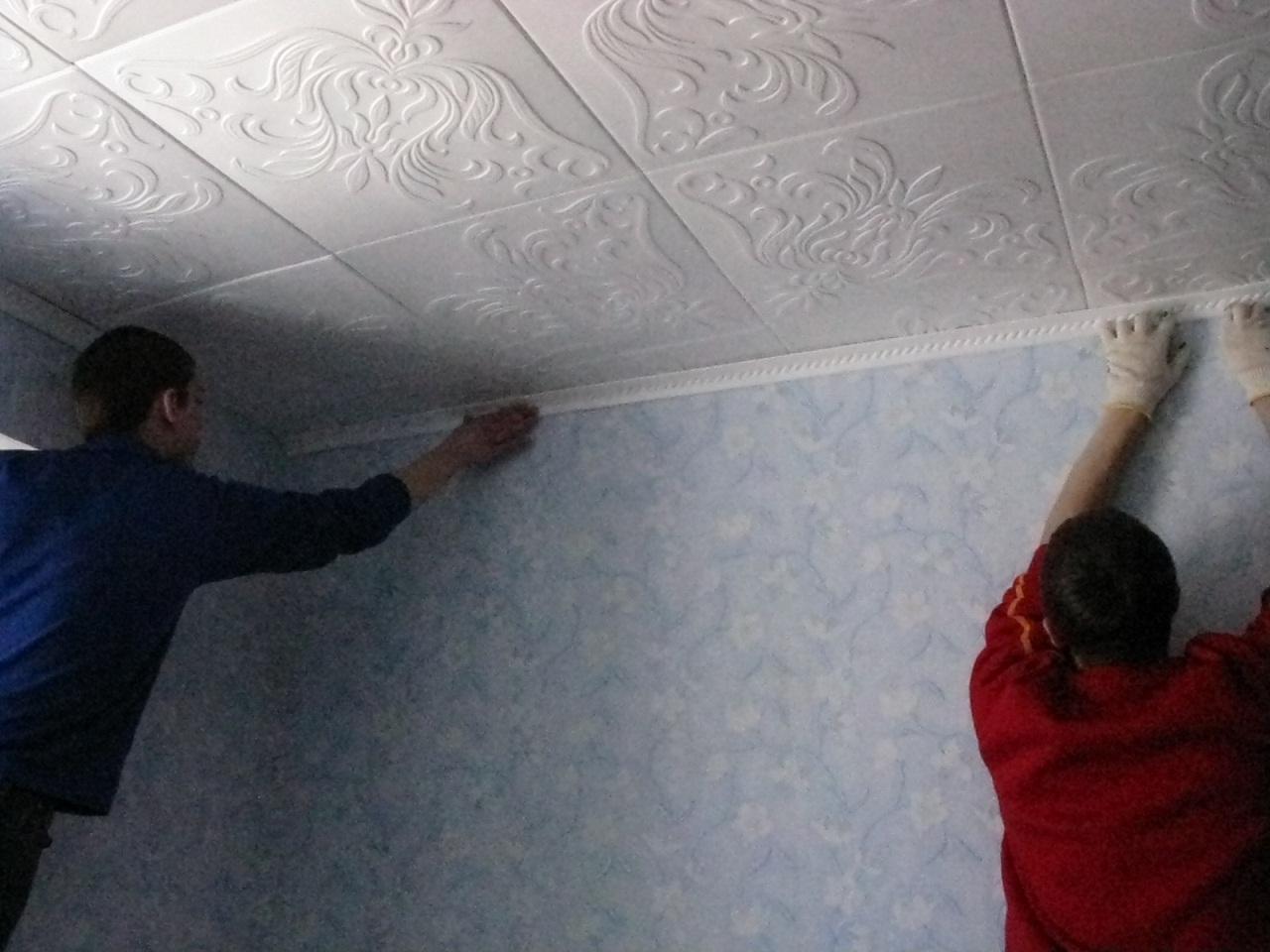 Потолочная плитка – как клеить
