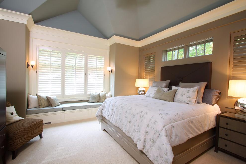 Красим стены в спальне