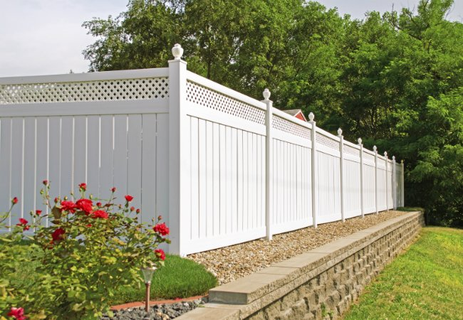 all-you-need-to-know-about-fence-materials-2